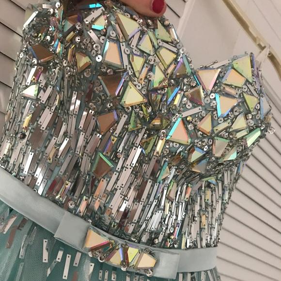 Tony Bowls Dresses & Skirts - Tony Bowls One Of A Kind Dress!